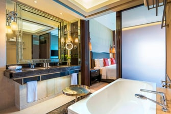Caroline Astor Suite - Bathroom