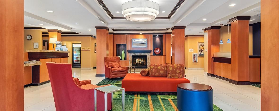 Hall d'hôtel à Auburn, Massachusetts