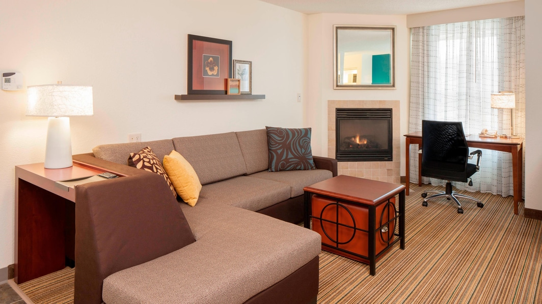 King Studio Suite with Fireplace