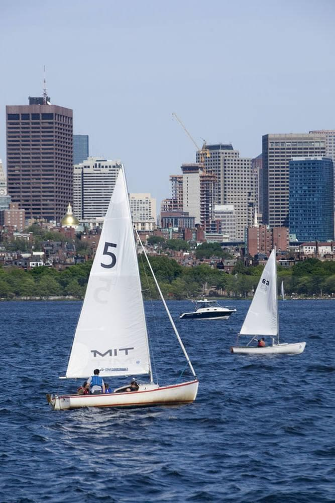 Hotels near Charles River