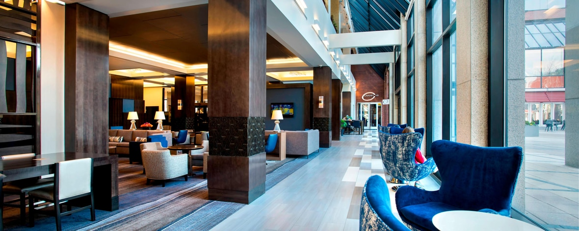 Lobby del Kendall Square Hotel