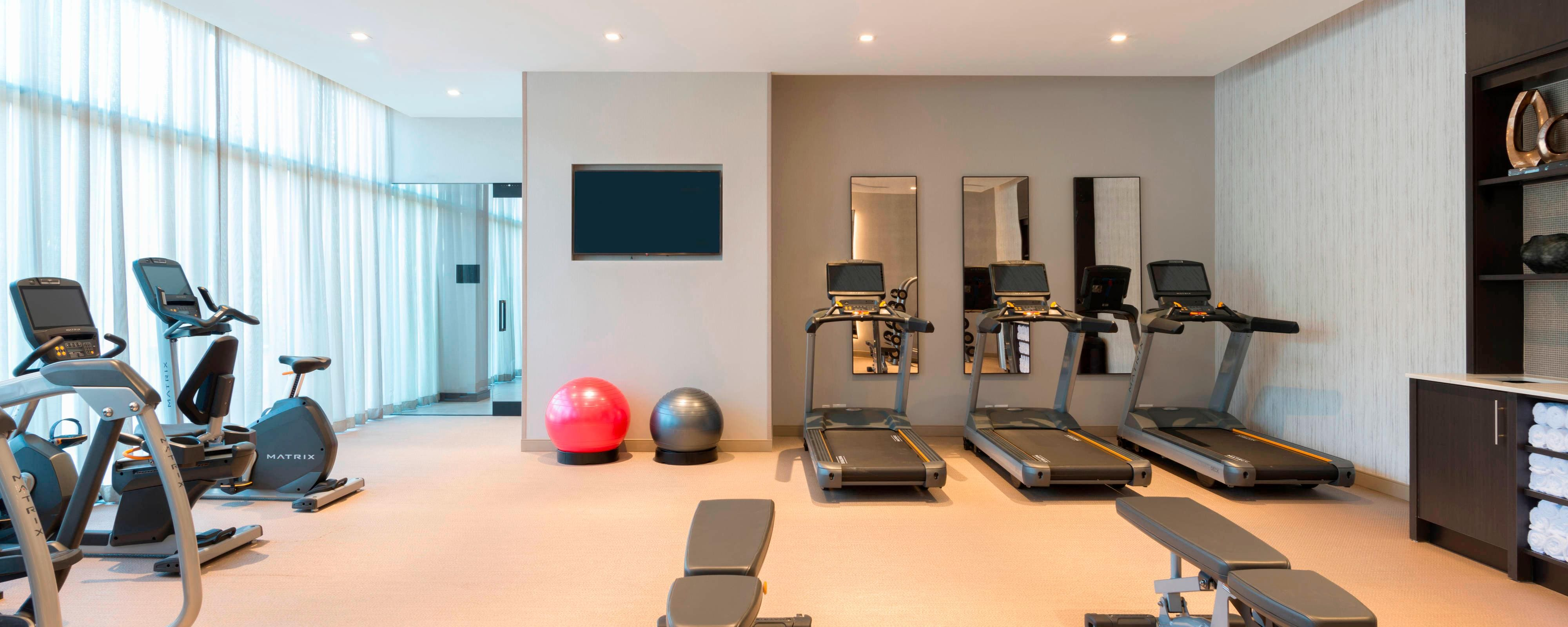 Hotel Gym In Boston - Recreation Activities At The Ac