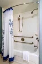 Accessible Suite Bathroom – Tub