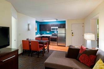 Two Bedroom-Suite – Kitchen