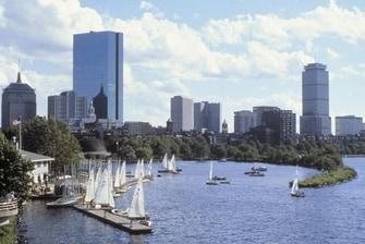 Atracciones de Back Bay, Boston - Barcos de vela en el río Charles