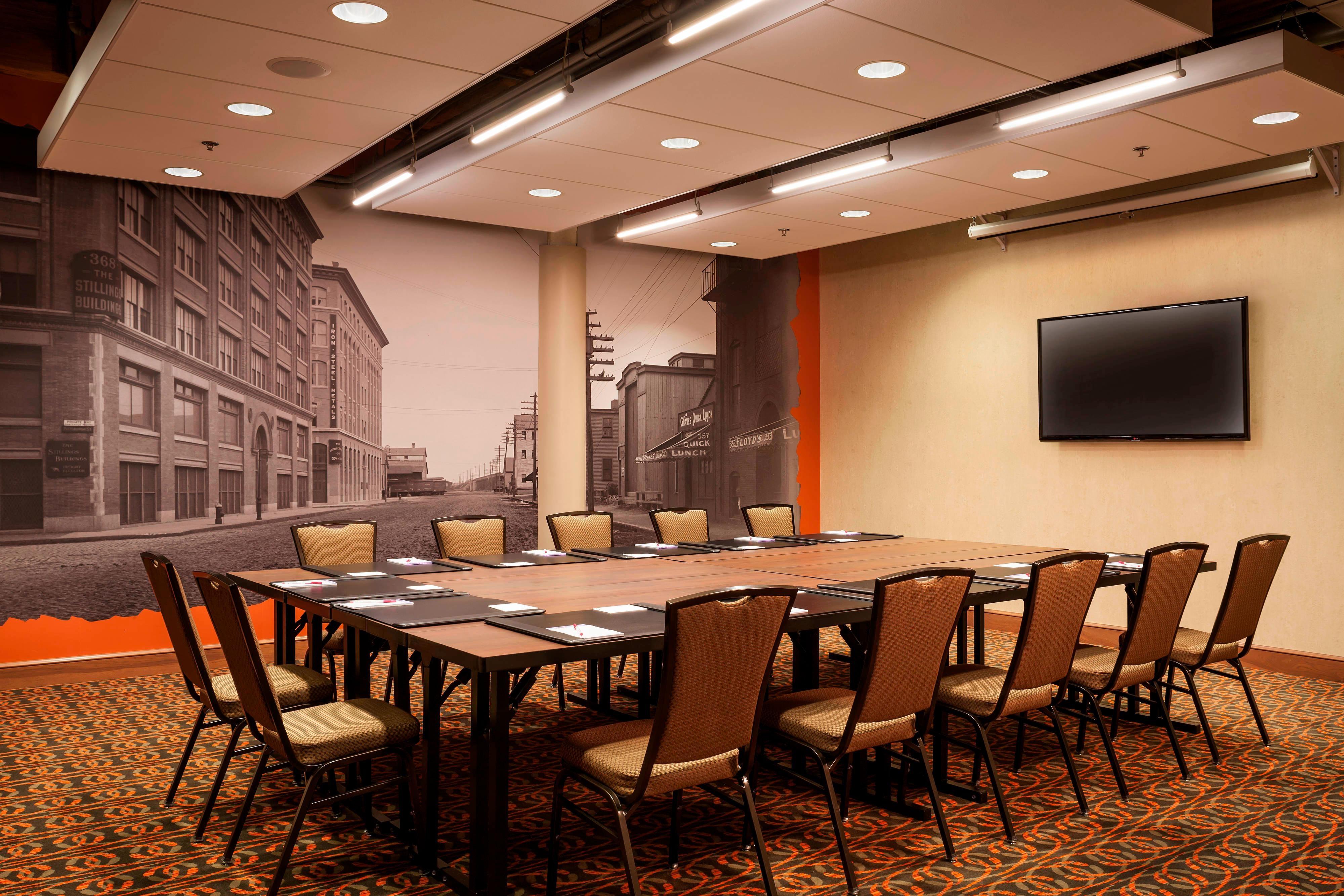 Salle de conseil pouvant accueillir 25 à 30personnes