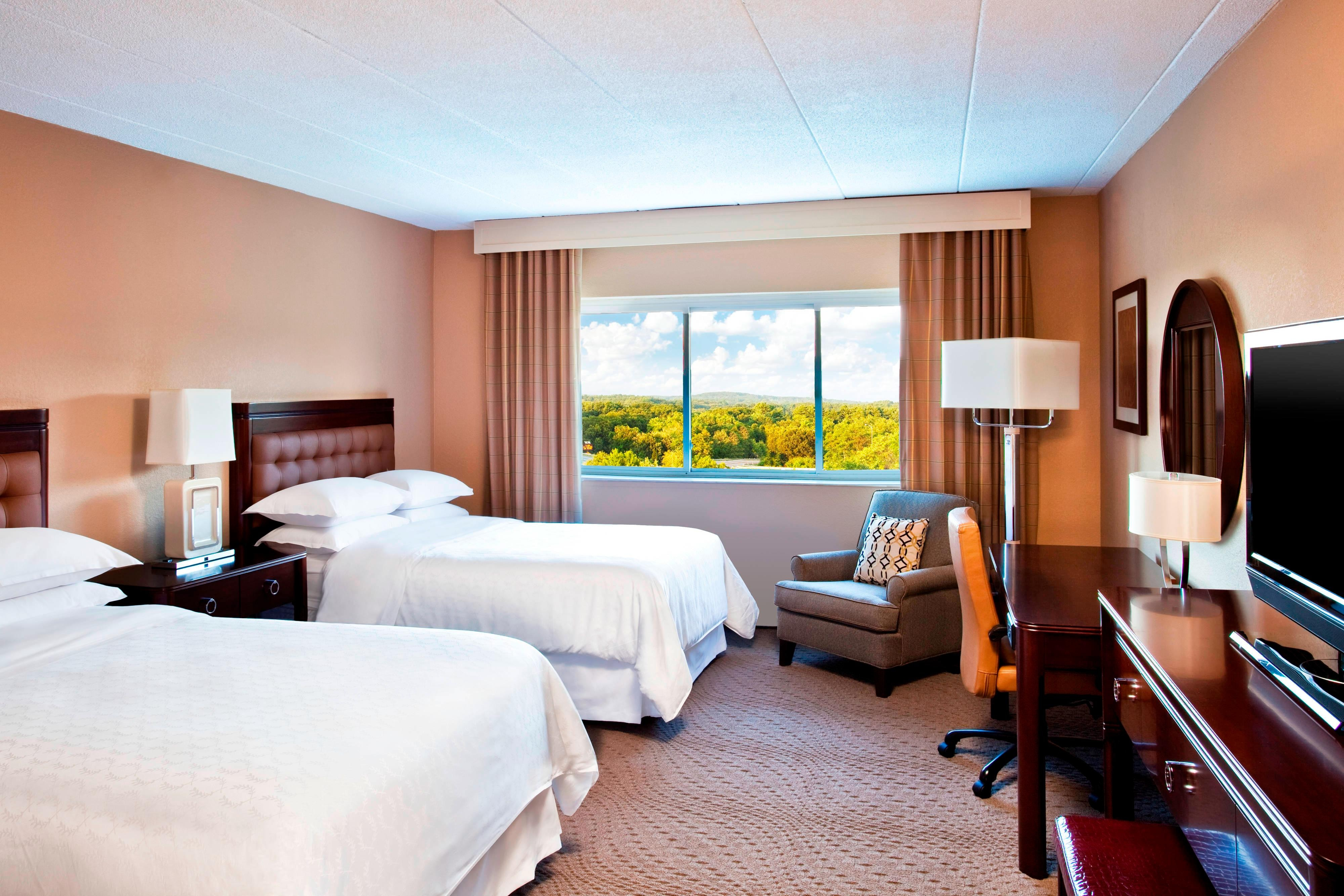 Double/Double Club Level Guest Room