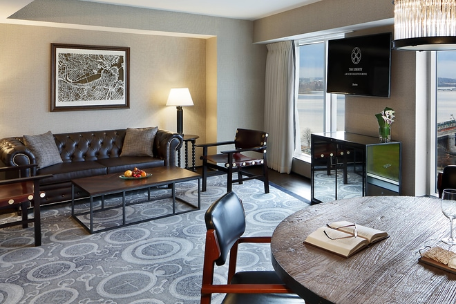 Charles River Suite - Living Room