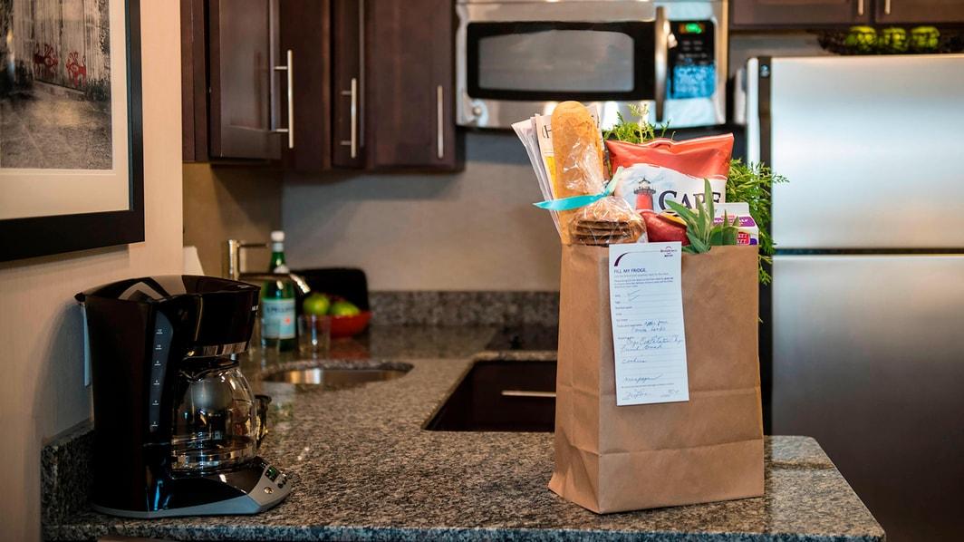 Genießen Sie den Lebensmittel-Einkaufsservice im Residence Inn Boston Needham.