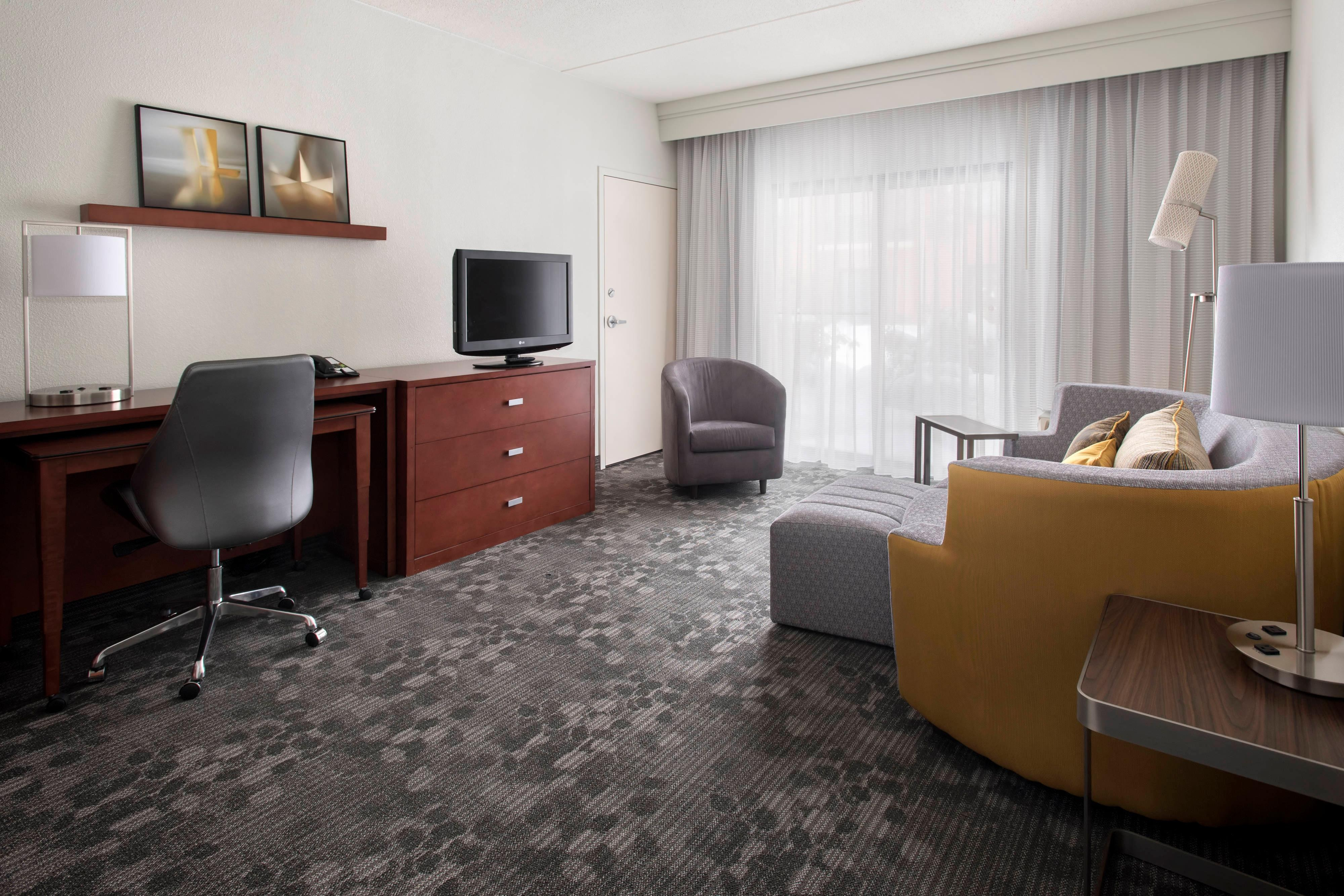 Norwood hotel rooms near canton ma courtyard boston - Hotels with 2 bedroom suites in boston ma ...