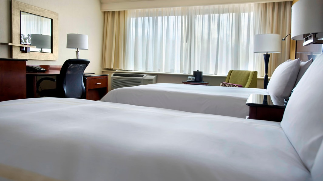 Peabody Double/Double Guest Room