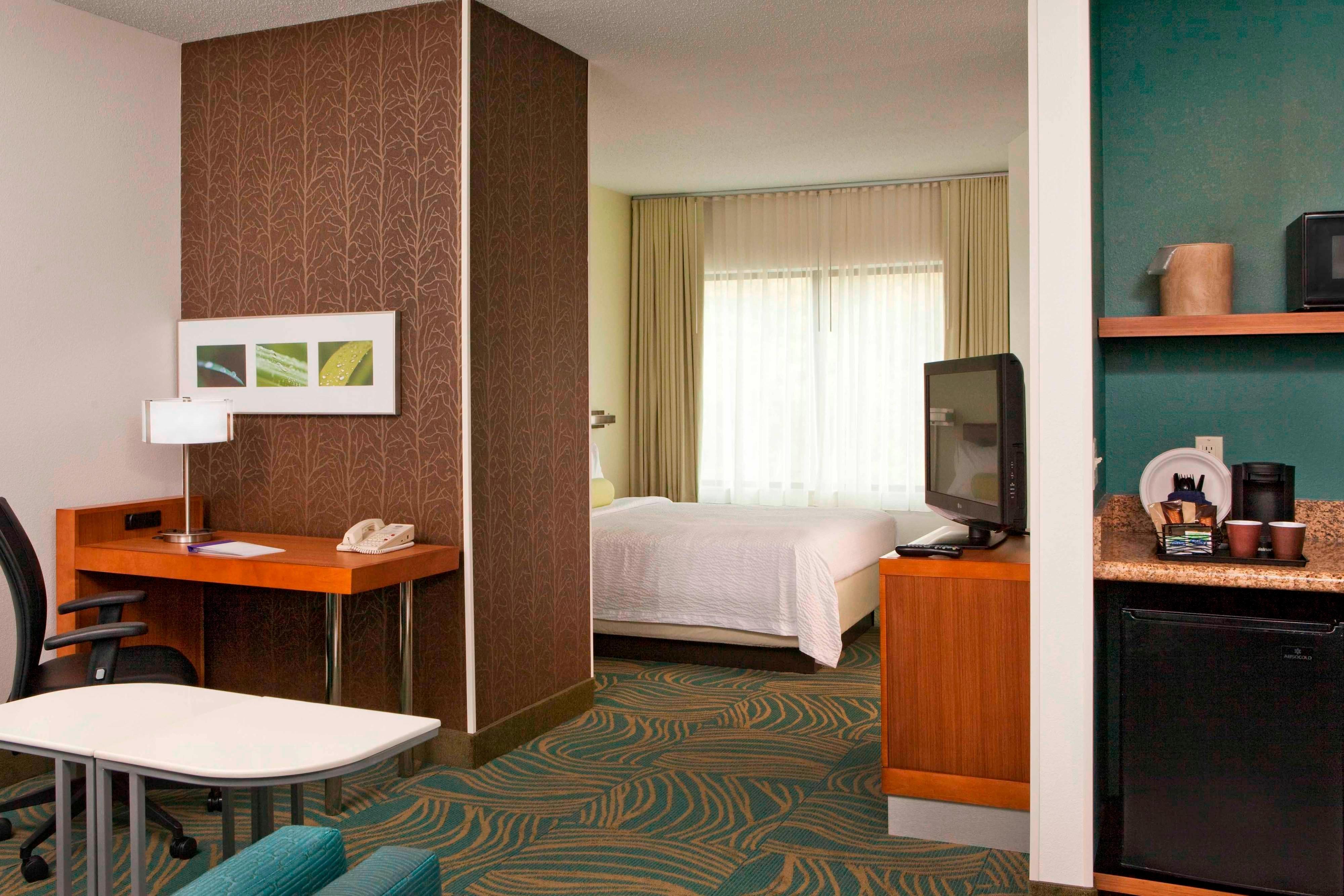 SpringHill Suites Queen Suite