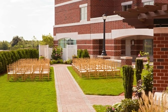 Quincy outdoor wedding ceremony