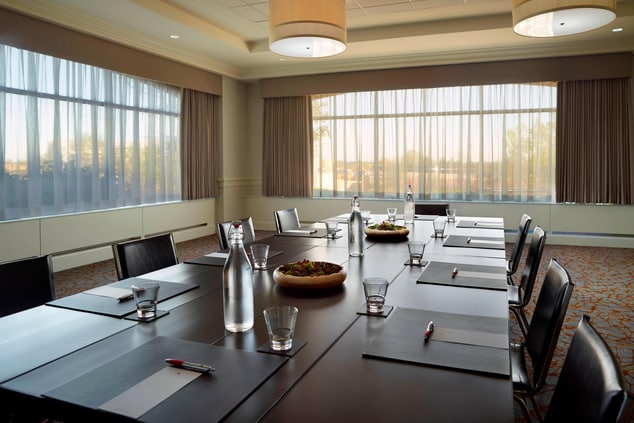 Experience the seamless and successful meeting with the help of our meeting professionals.