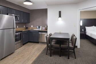 Suite kitchen equipped with appliances