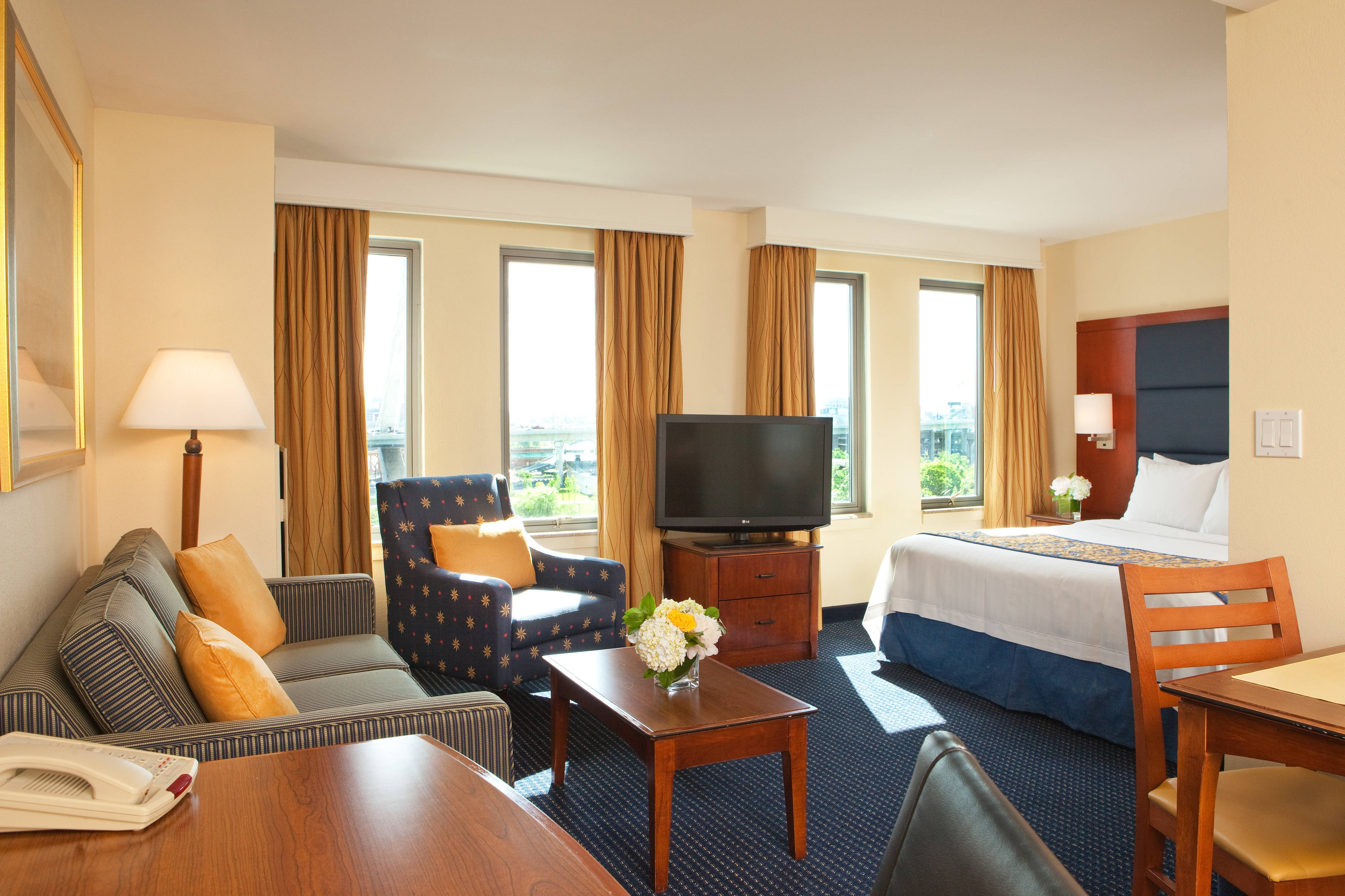 extended stay boston harbor downtown boston suite hotel 2 rh marriott com Elara 2 Bedroom Suite 3- Bedroom Hotel with Suites