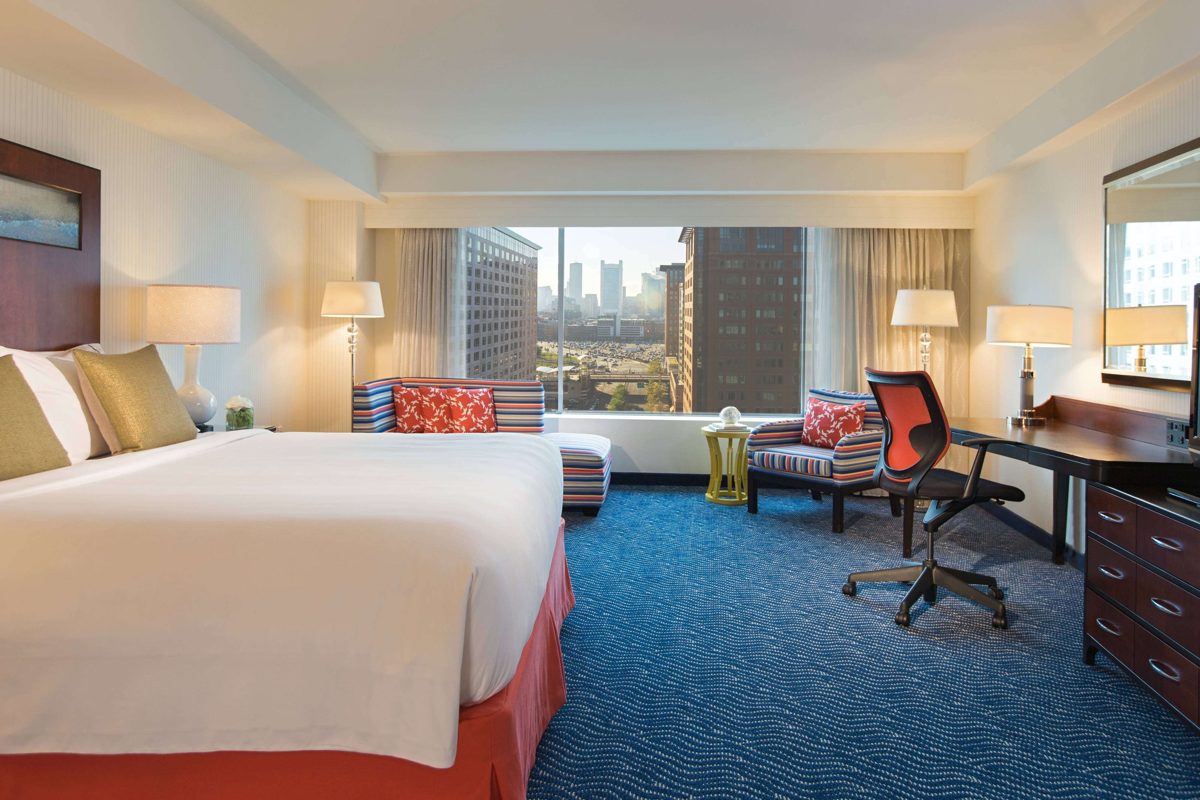 King Guest Room - Harbor/City View
