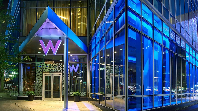 W Lounge Entrance