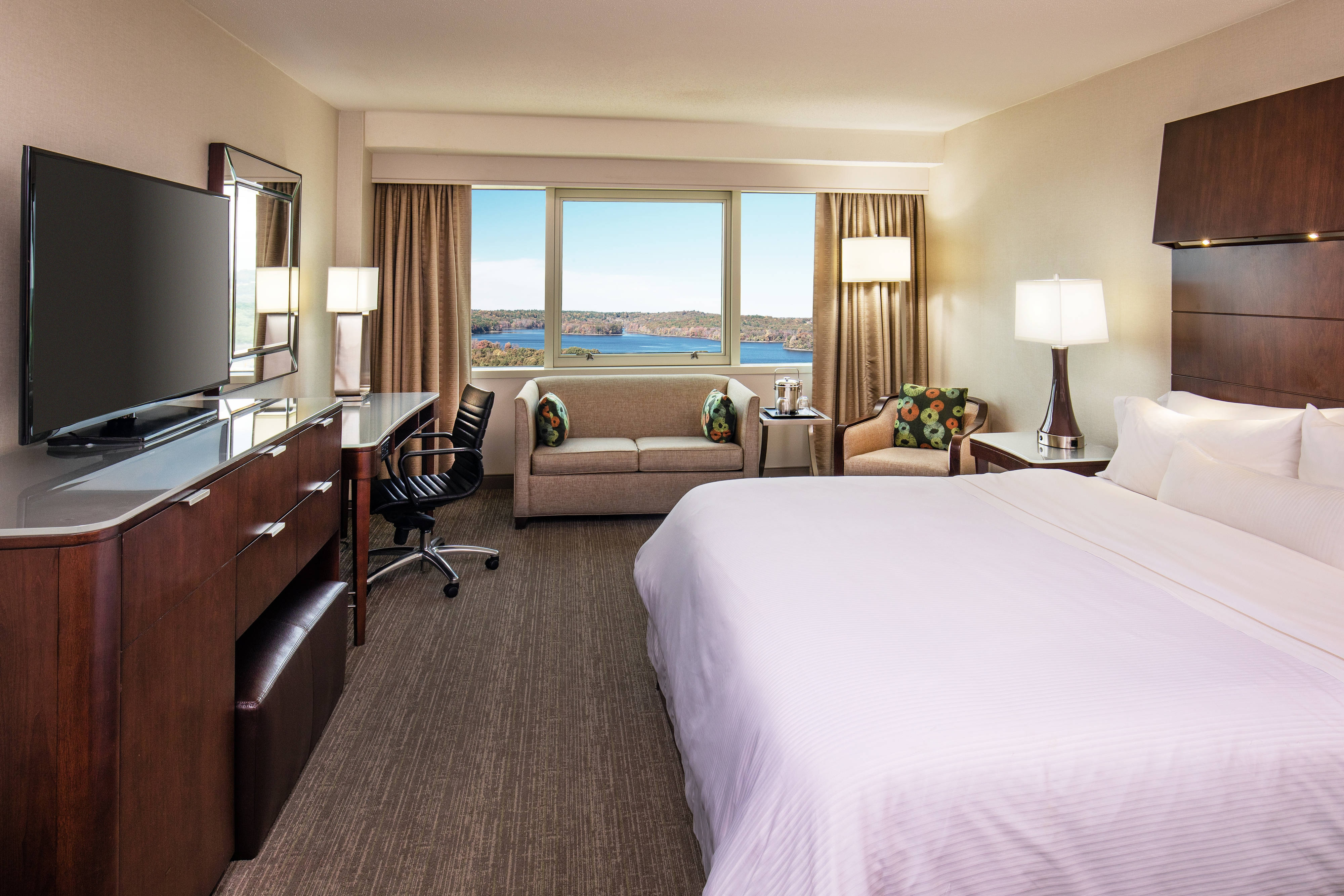 King Premium Guest Room With Water View
