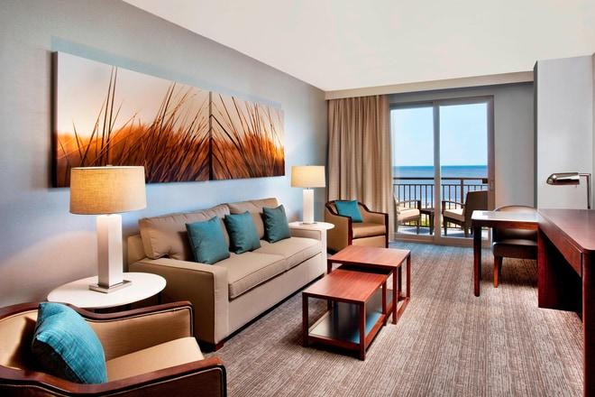 Ocean View Suite - Living Room