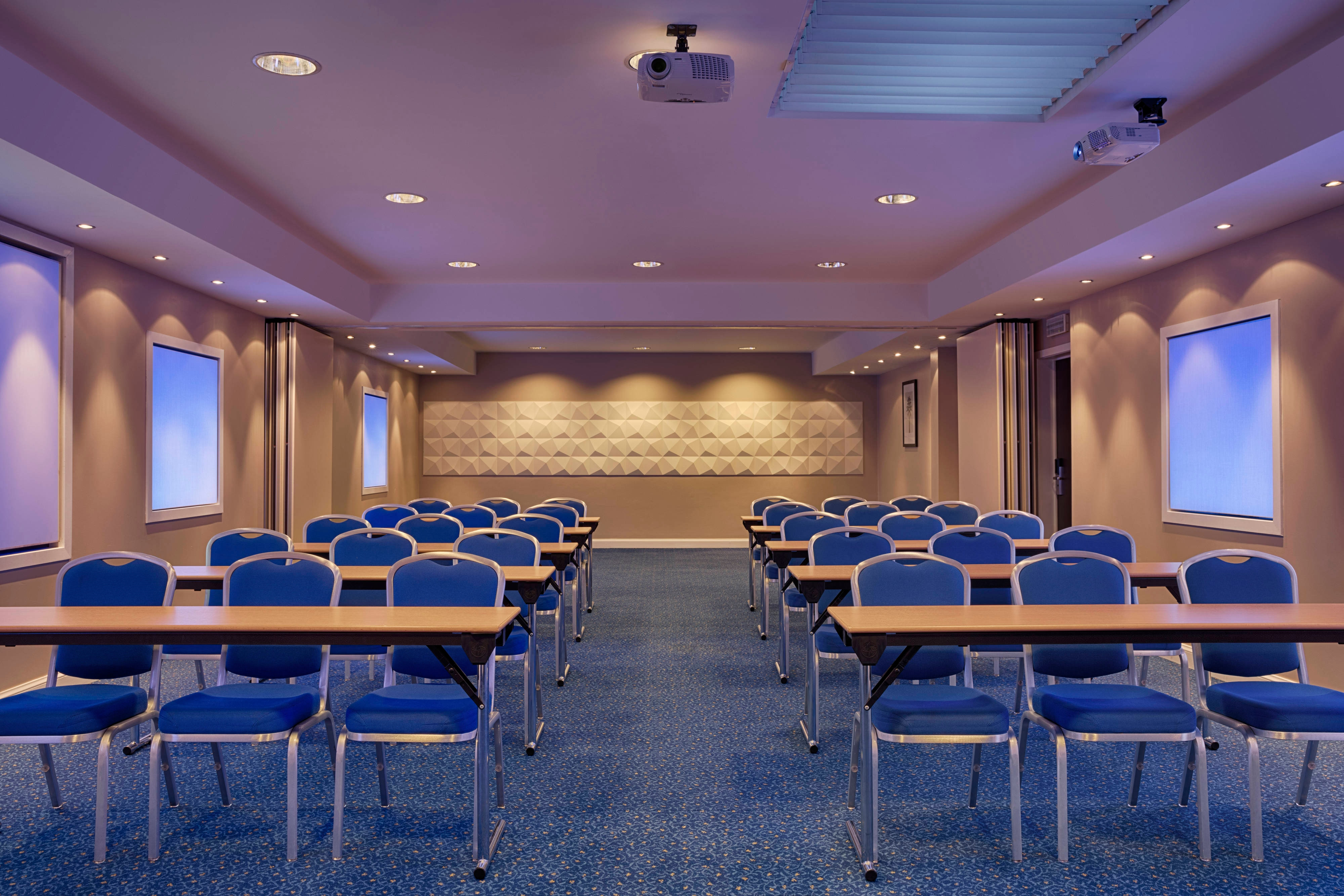 Louise Meeting Room