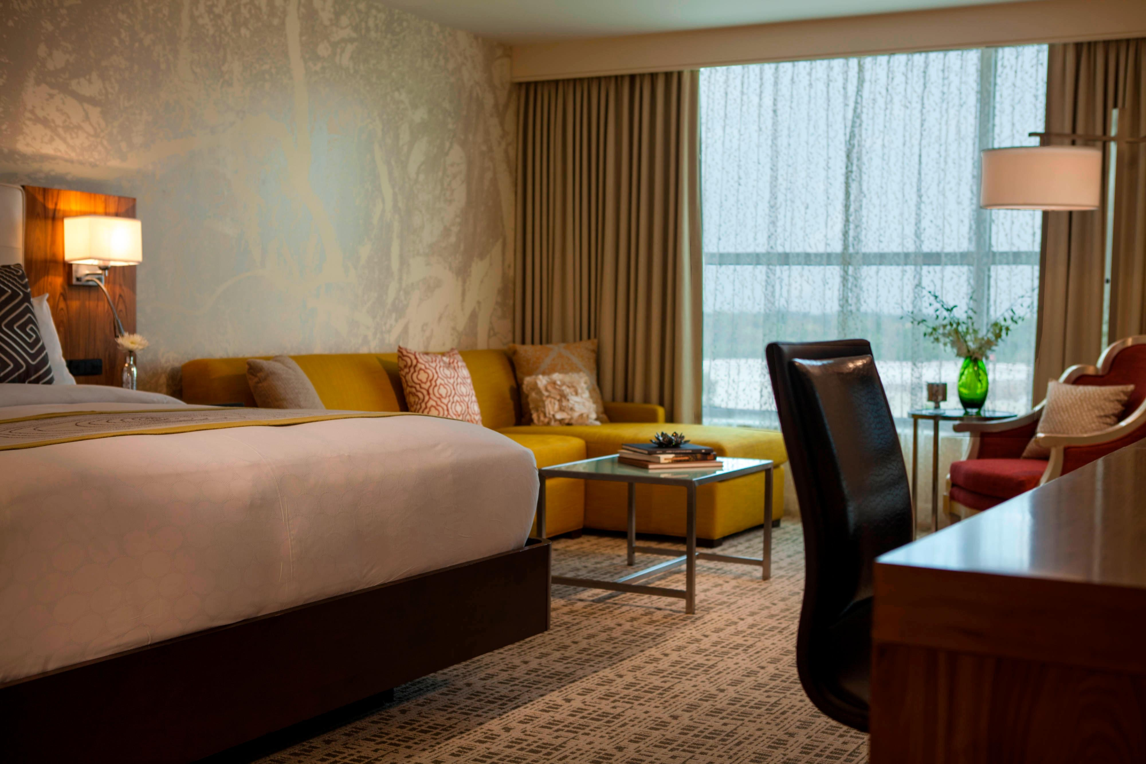 Rooms and Hotel Suites in Baton Rouge, Louisiana