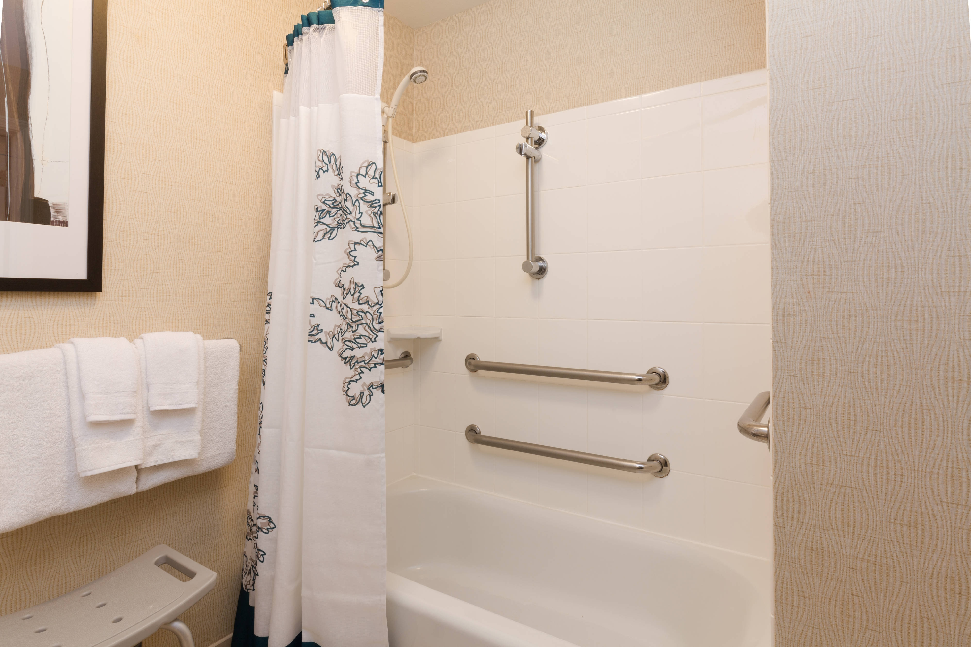 Baton Rouge Hotel Accessible Bathroom