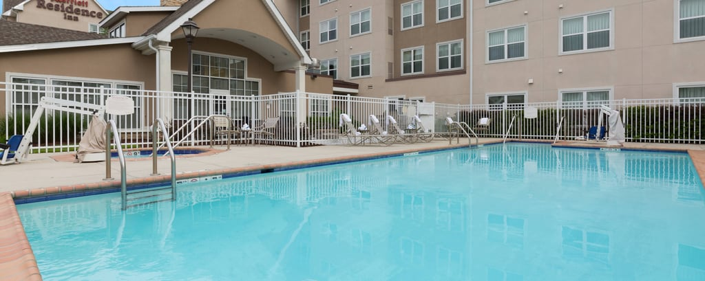 Baton Rouge Hotel Outdoor Pool