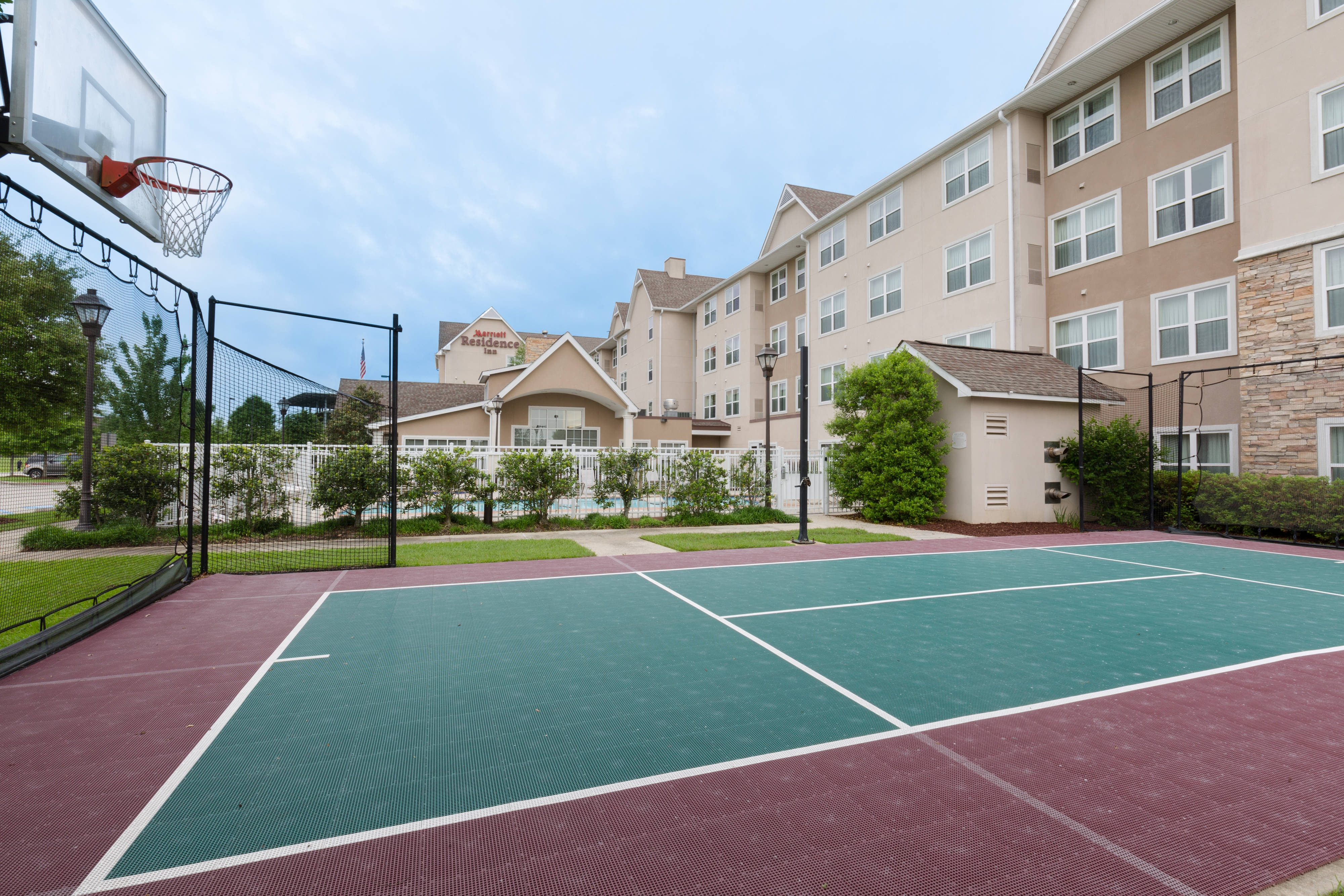 Baton Rouge Hotel Sport Court
