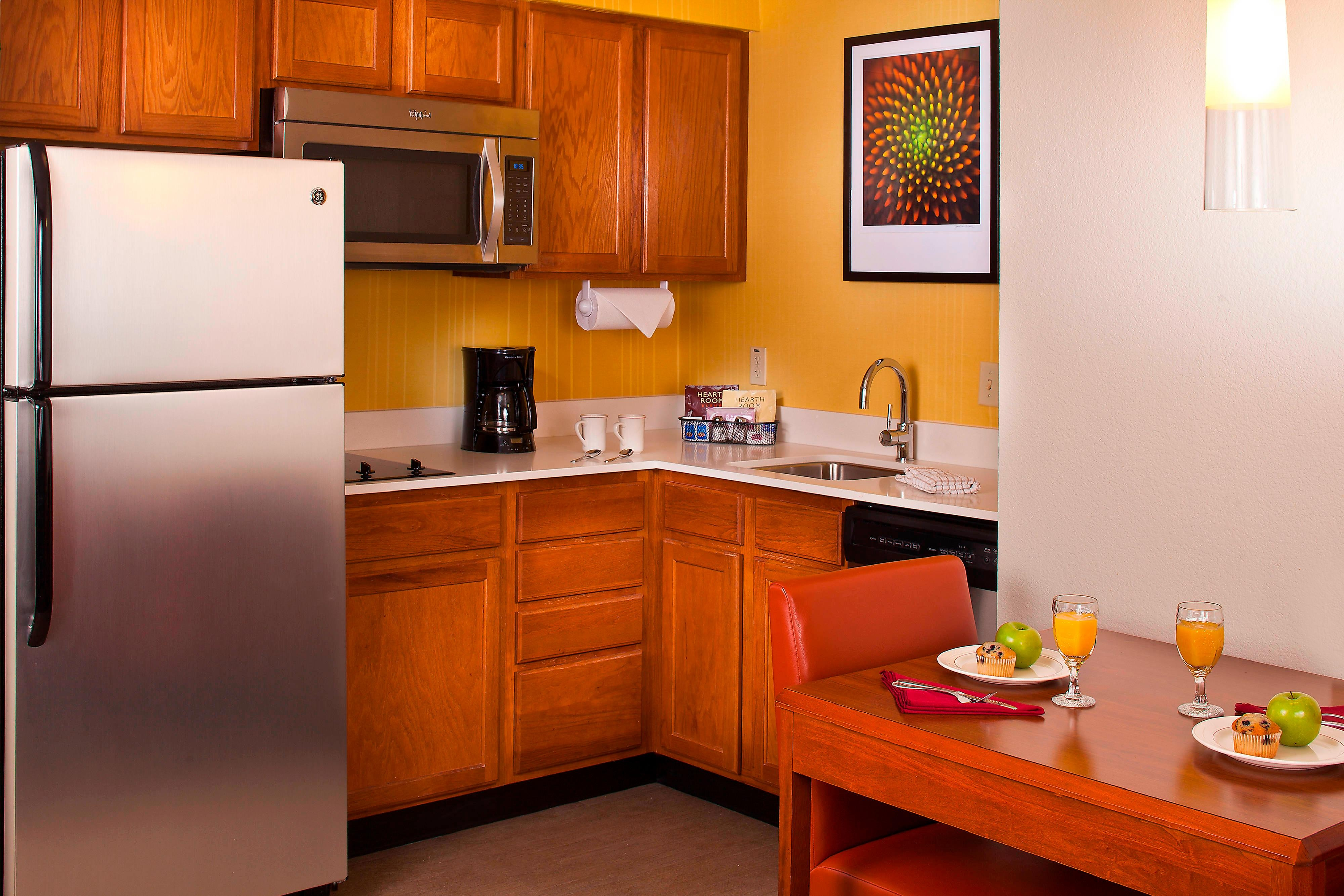 Residence Inn Baton Rouge Fully Equipped Kitchen