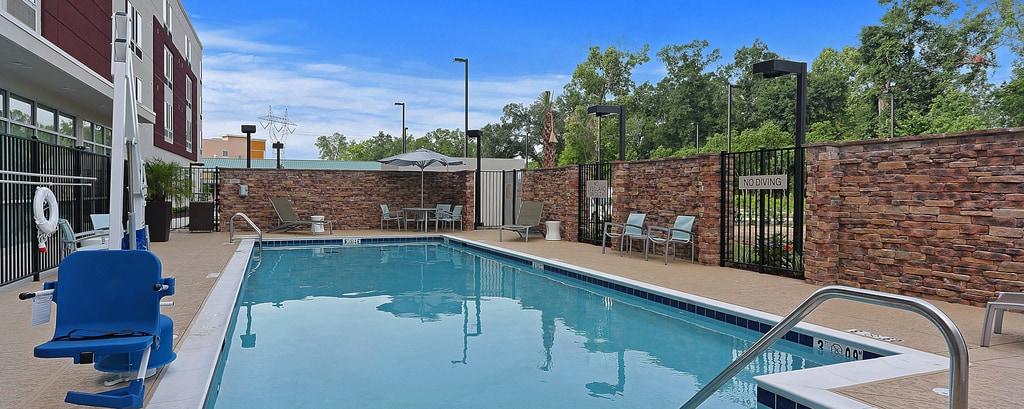 Gonzales hotel outdoor pool