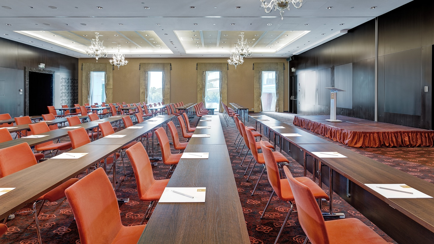 Maria Theresia Ballroom - Classroom set up