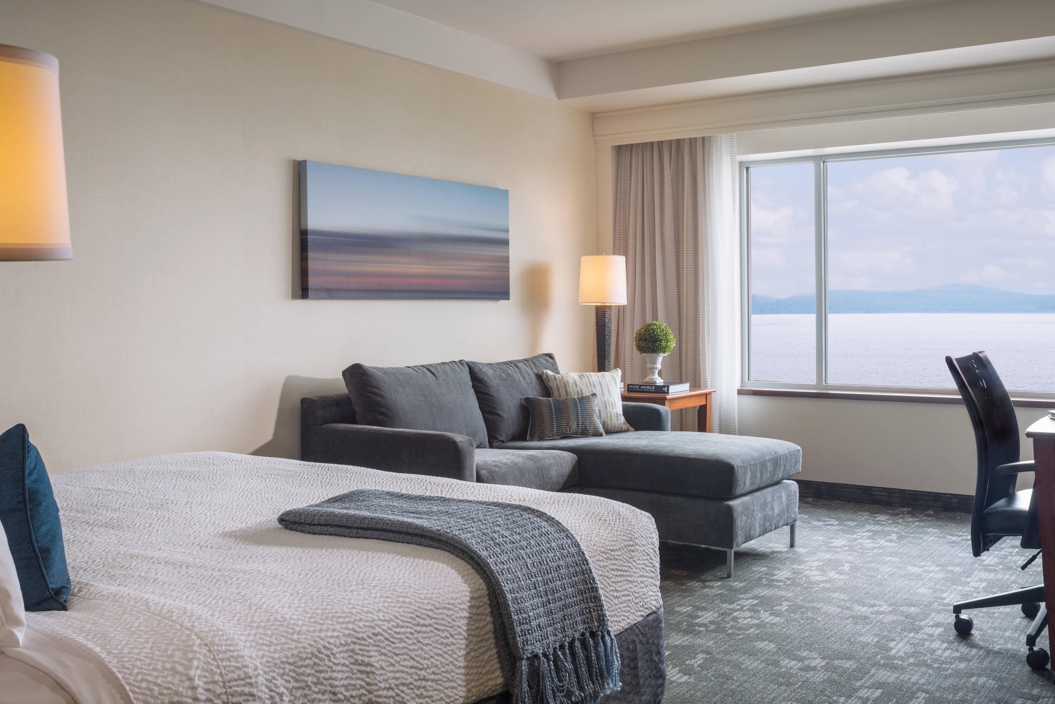 Burlington King Lake View Room