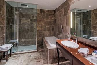 Boscolo Budapest Exclusive Room Bathroom