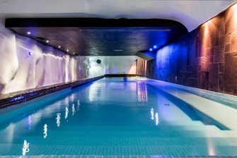 Relaxation indoor pool