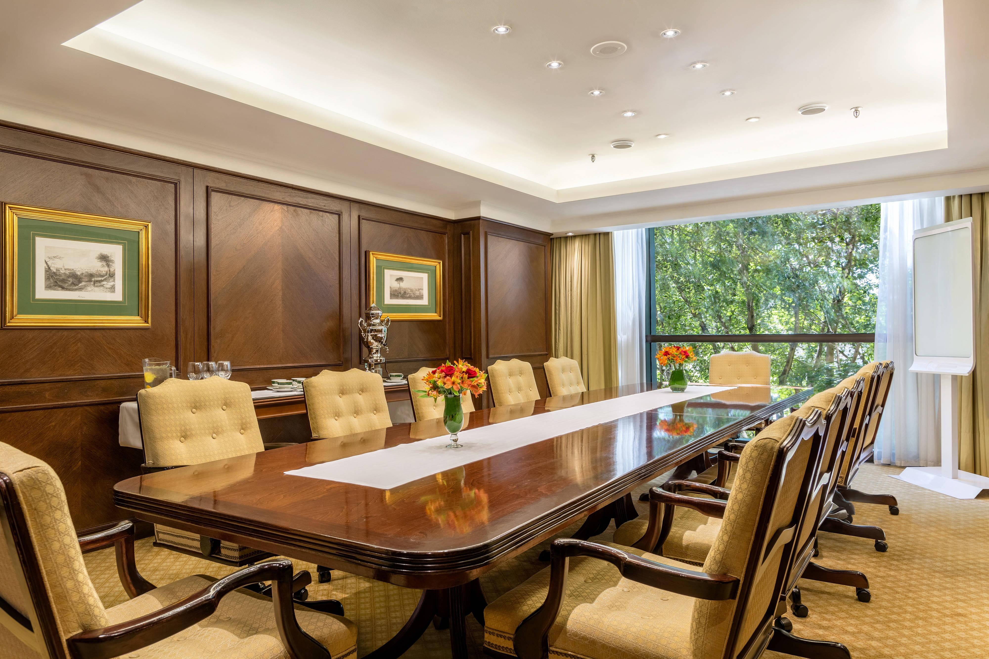 Parana Boardroom