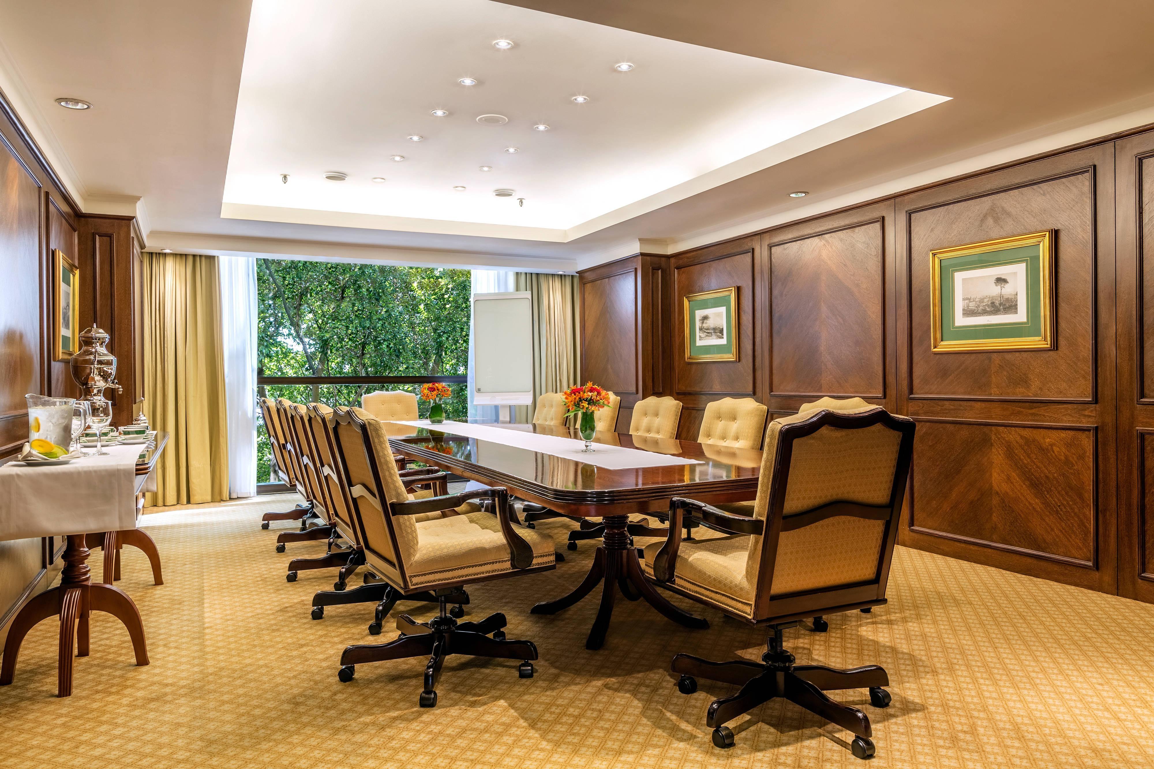 Polo Boardroom