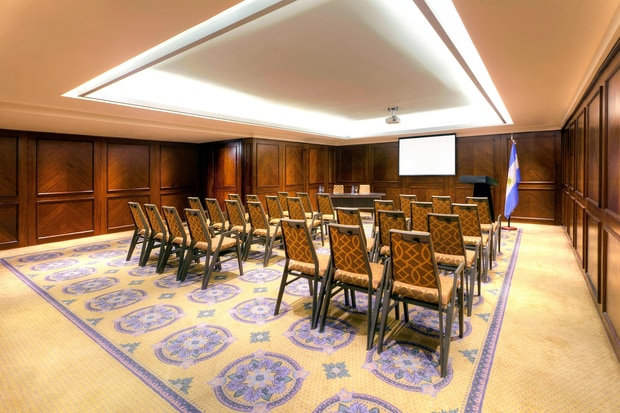 Gomez Losada Meeting Room