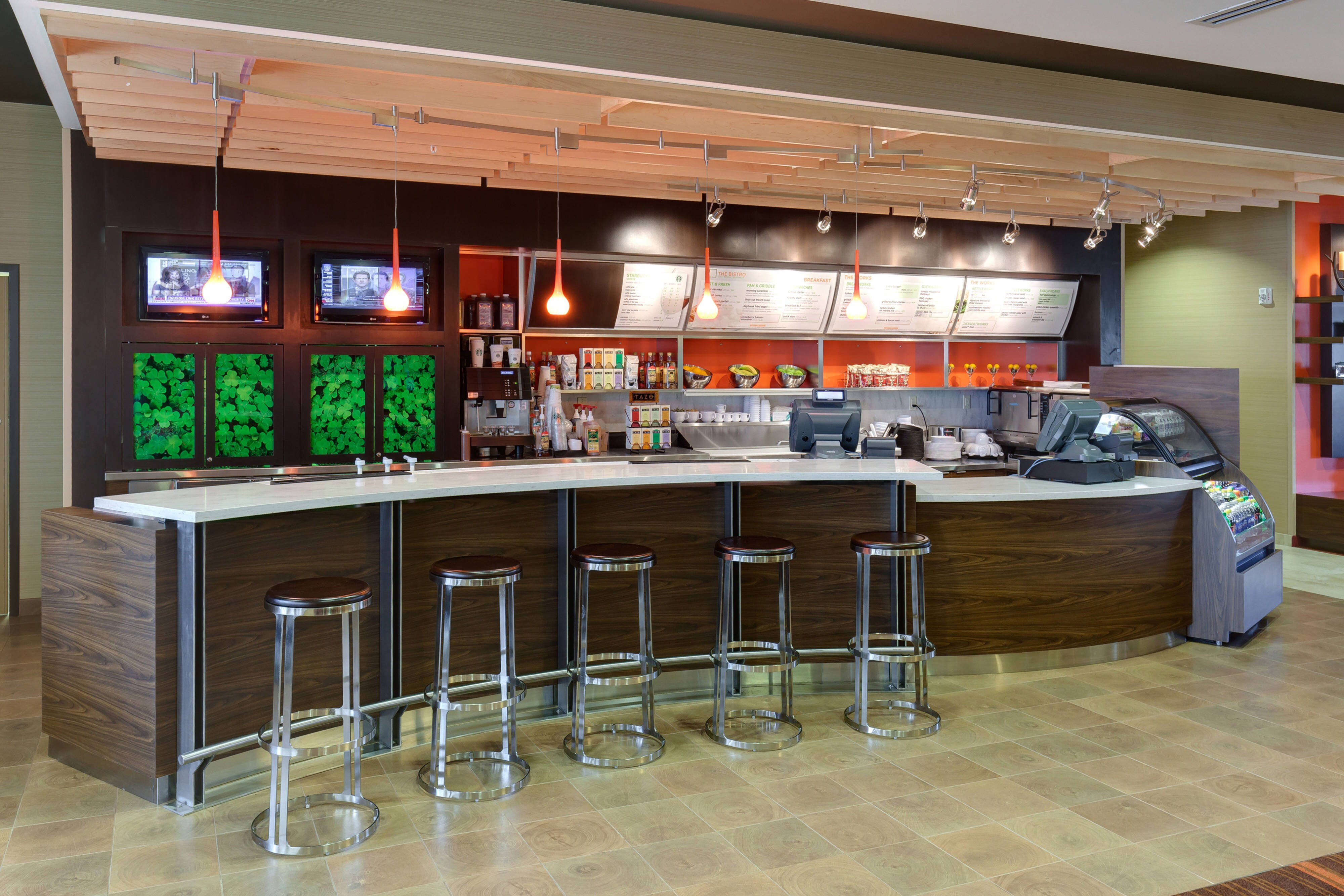 Buffalo airport hotel restaurant