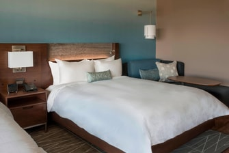 HARBORCENTER Hotel Double Queen Guestroom