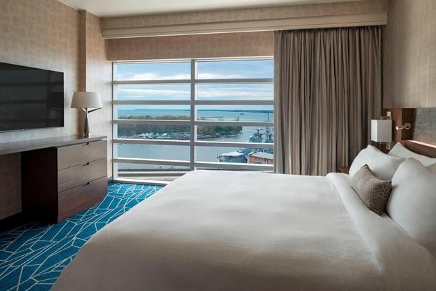 Buffalo HARBORCENTER Marriott Junior Suite