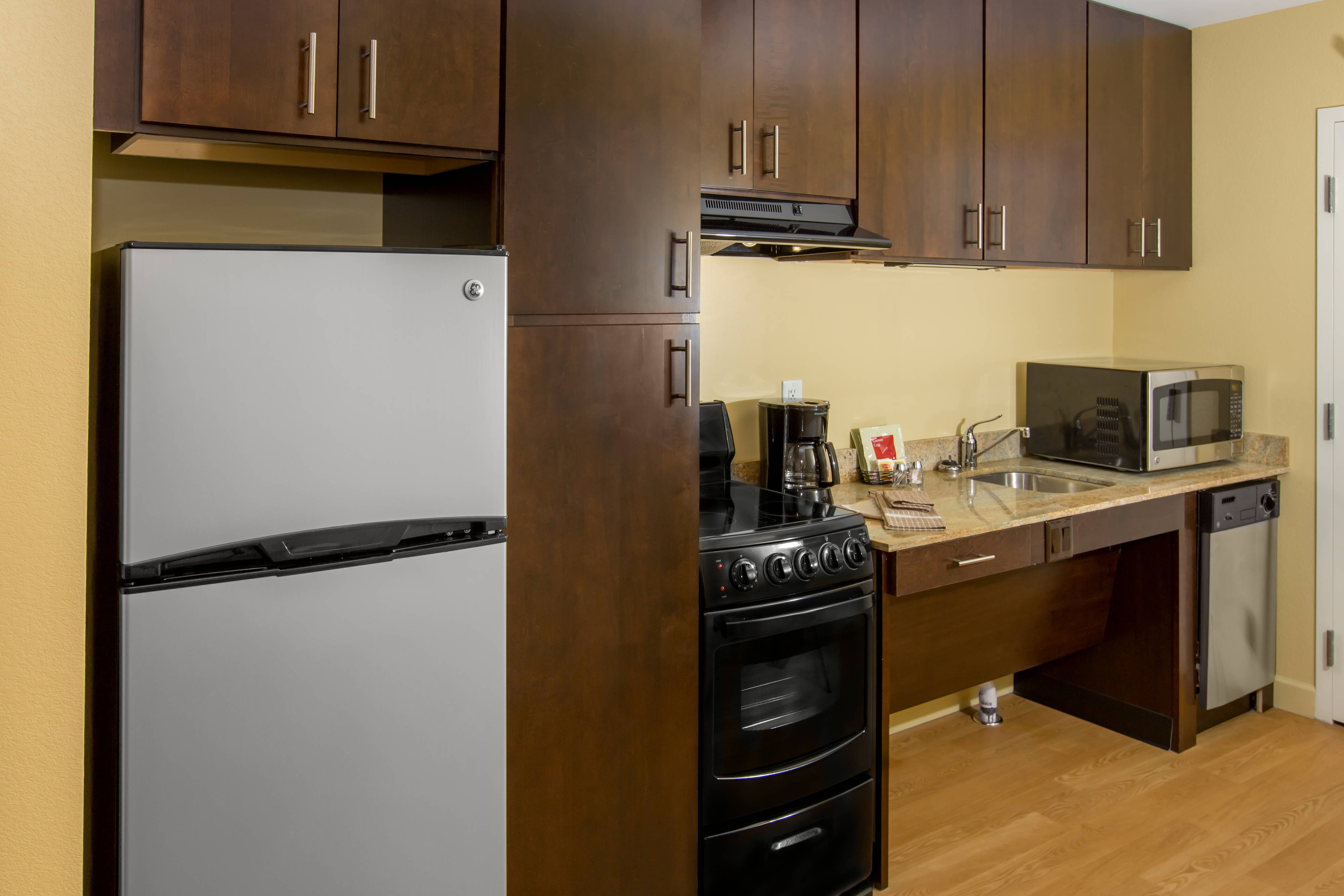 Buffalo Airport Hotel Accessible Kitchen