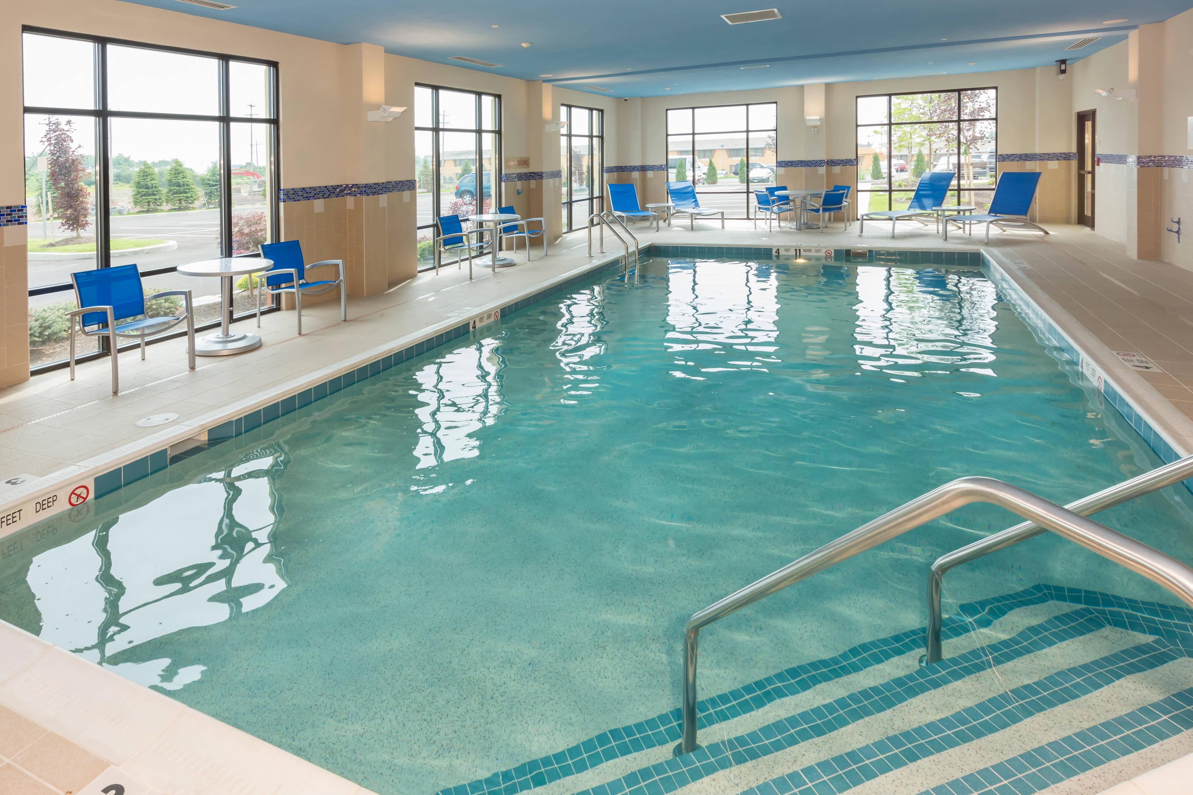 Buffalo Airport Hotel Indoor Pool