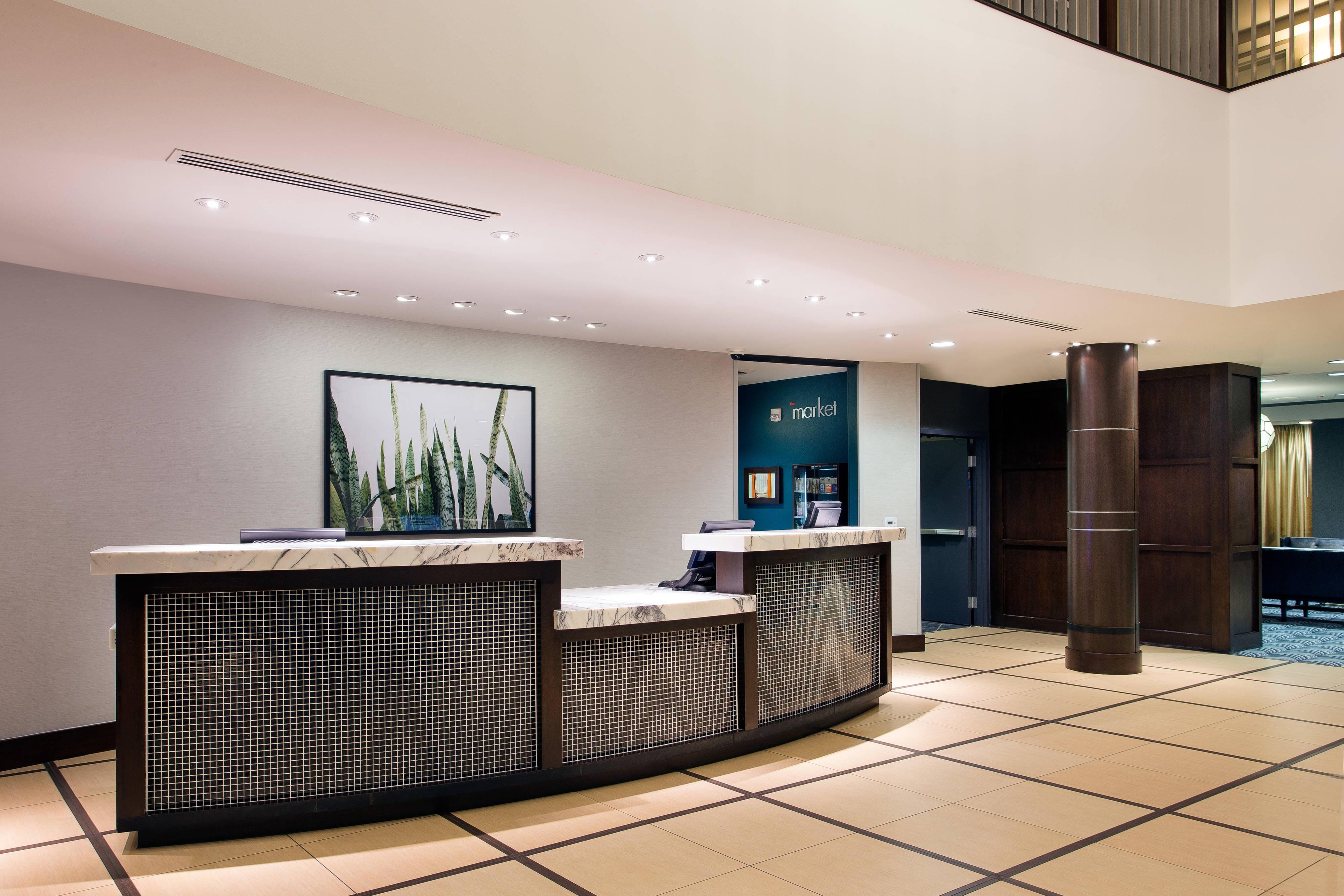Burbank CA Hotel Front Desk