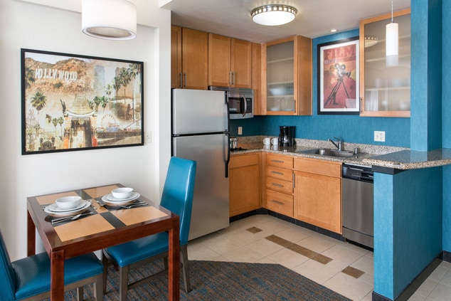 Burbank Downtown Hotel with Kitchen