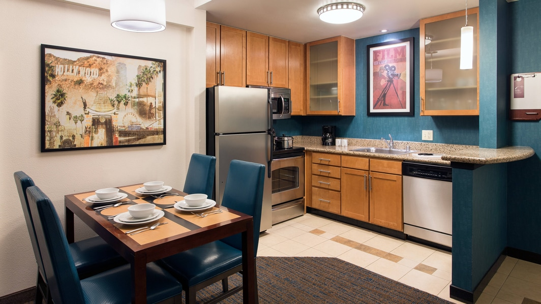 Suites with Kitchen Burbank CA