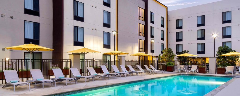 Burbank Hotel Outdoor Pool