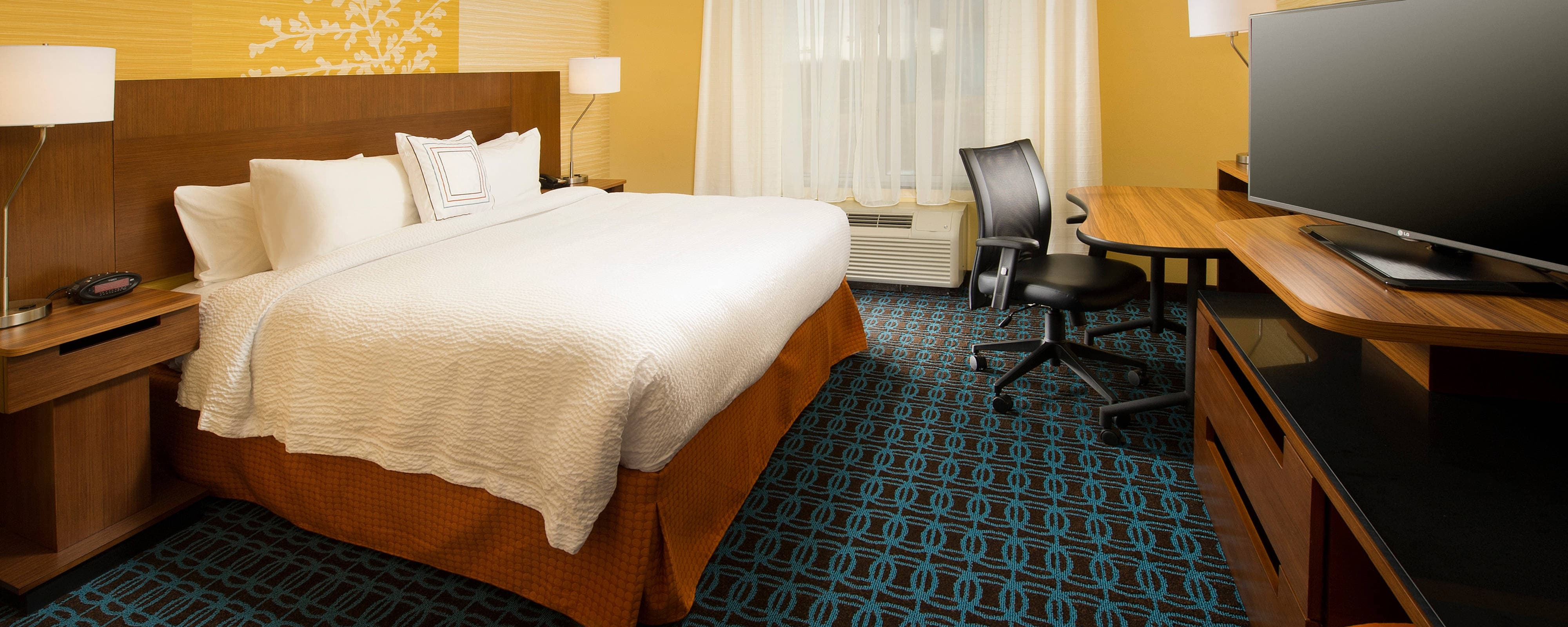 Fairfield Inn & Suites hotel rooms