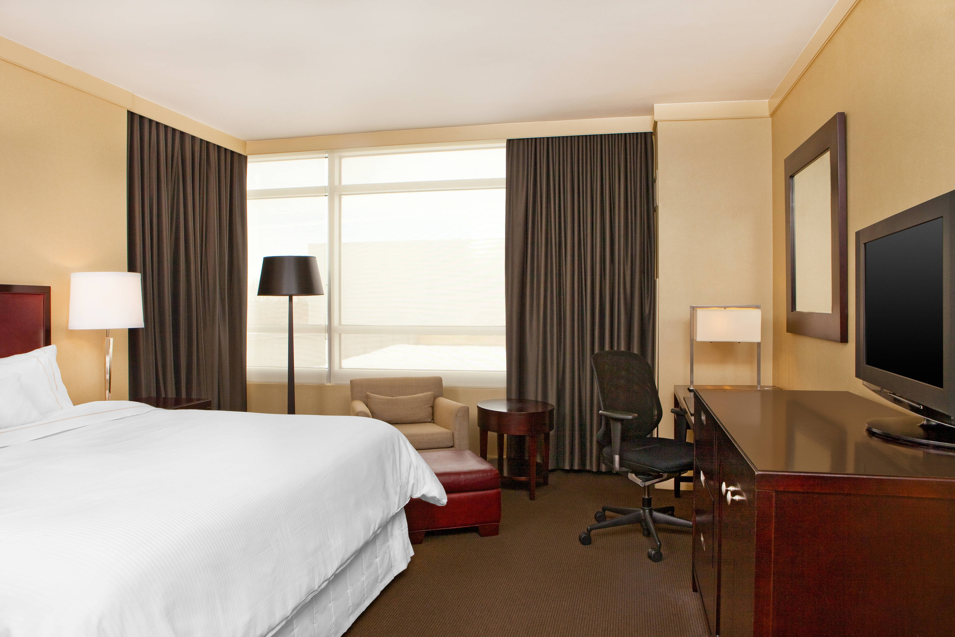 The Westin Baltimore Washington Airport BWI King Guest Room