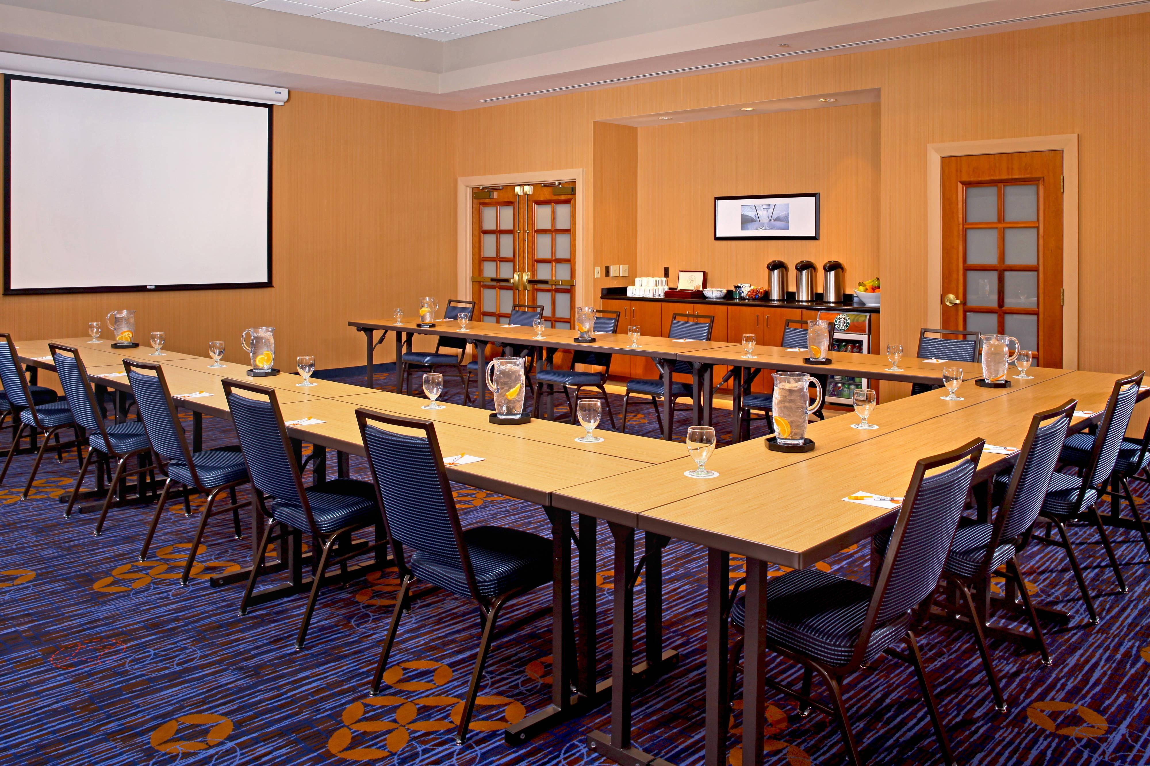 Courtyard Baltimore Downtown Meeting Room